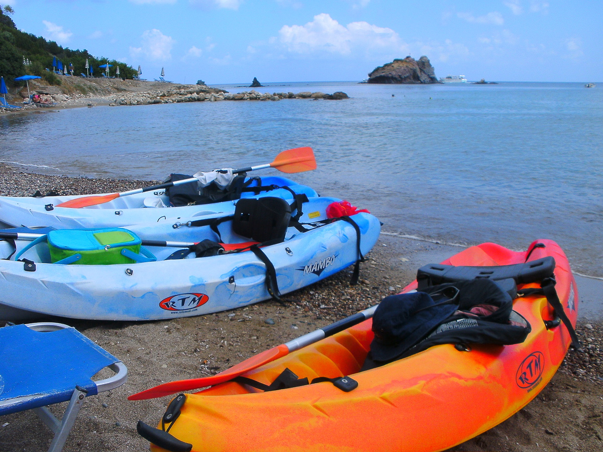 Cool Divers Latchi - kayak